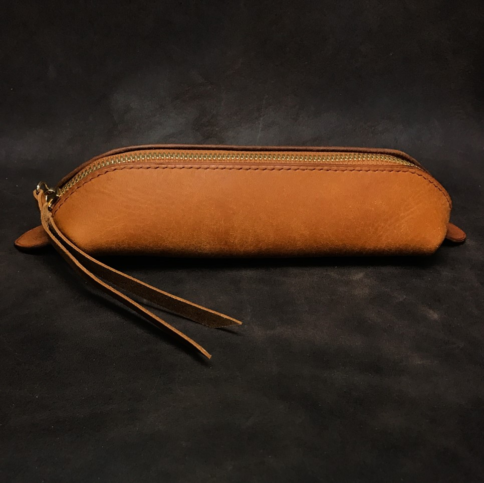 leatherpencilcase_01.jpg